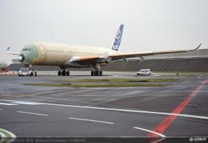 A350_XWB_Roll_out_MSN1Feb_2013
