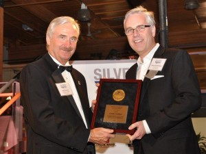 Mark Duncan, chair British Columbia Aviation Council (left), presented the BCAC Entrepreneur of the Year Award to David Schellenberg, president & CEO Conair Aviation at the 2012 annual BCAC Silver Wings Award. Photo: Jim Jorgenson