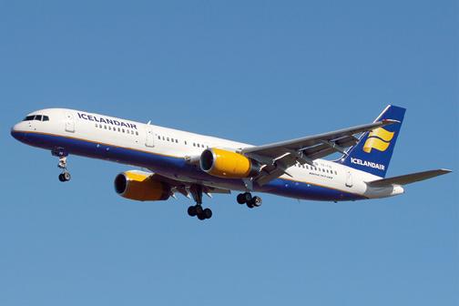 Icelandair_Boeing_757-256_Wedelstaedt