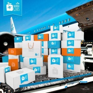 KLM Wannagives offers a range of gifts to surprise a travelling family member or friend on board.