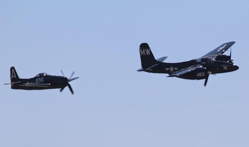 F8F Bearcat (left) single-engine aircraft versus F7F twin-engine Tigercat.