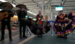 A mariachi band was on hand to celebrate the inaugural flight of Aeromexico to YVR in January, 2016. Photo: flytdeck@gmail.com