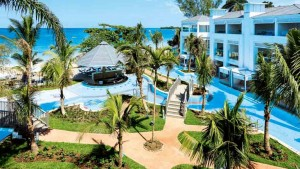 Situated on Jamaica's legendary Seven Mile Beach in Negril, Sensatori Azul Beach Resort Jamaica accommodation features stunning ocean views. Photo: courtesy Sunwing.
